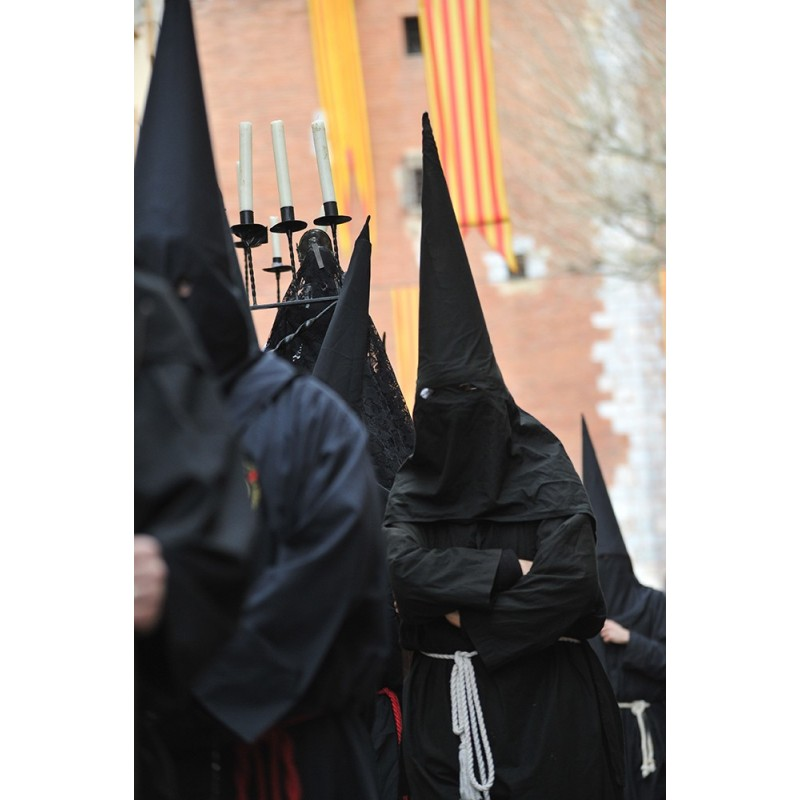 Procession de la Sanch: Caperutxa noires