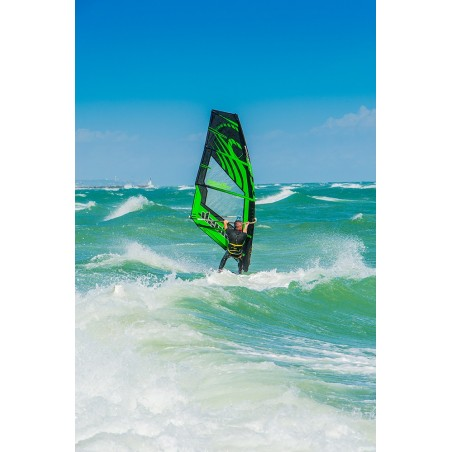 Windsurf dans la vague